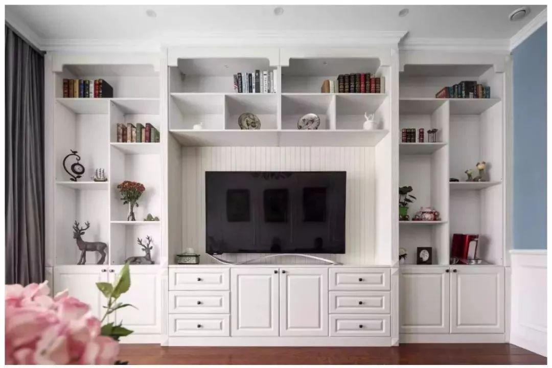 电视背景墙的收纳设计
